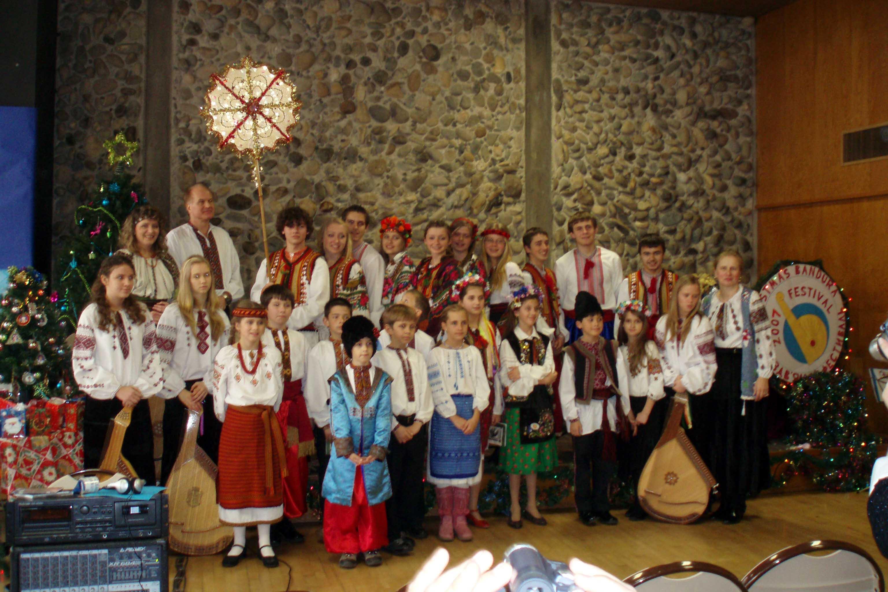 2008-ukrchristmas-bandura_festival.jpg (405 Kb)
