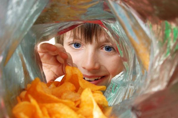 День народження картопляних чипсів