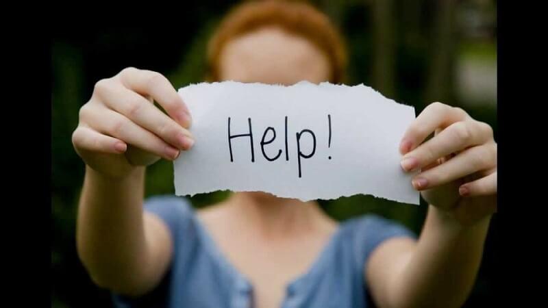 Як допомогти коханій людині вийти з депресії