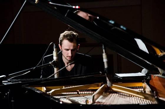 Сучасна класика від піаніста і композитора Єгора Грушина