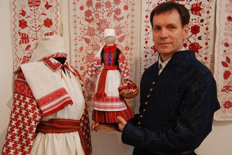Що знає про вишивку Юрій Мельничук?