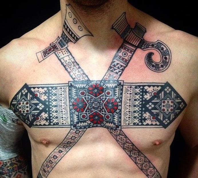 Татуювання у вигляді перехрещених топірців