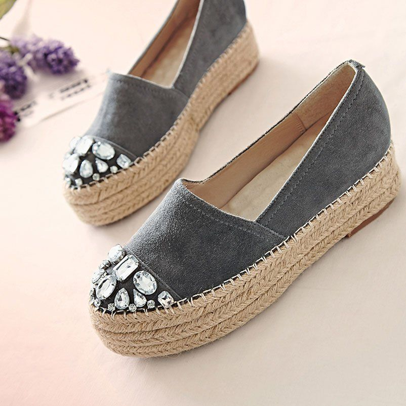 Летняя обувь – основа женского гардероба